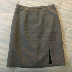 Houndstooth pencil skirt w/ slit